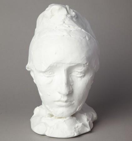Camille Claudel au bonnet